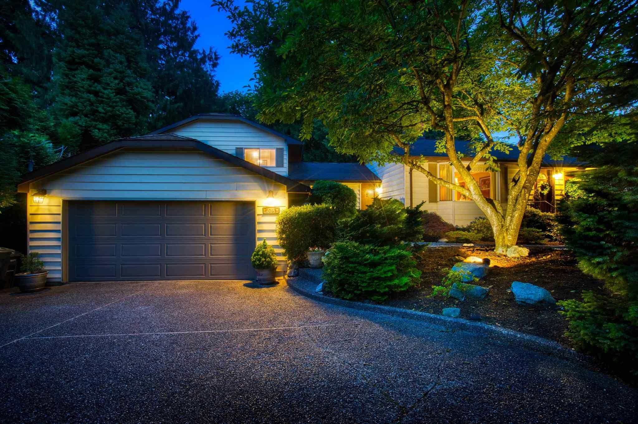 Main Photo: 2091 SPERLING Avenue in Burnaby: Parkcrest House for sale (Burnaby North)  : MLS®# R2595205