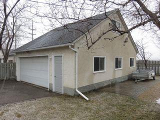 Photo 3: 163 Larche Avenue in Winnipeg: Single Family Detached for sale (Transcona)  : MLS®# 1605930