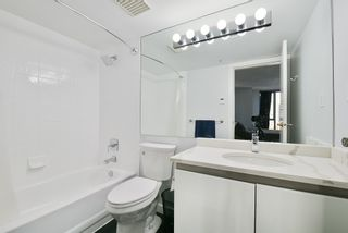 """Photo 12: 903 930 CAMBIE Street in Vancouver: Yaletown Condo for sale in """"PACIFIC PLACE LANDMARK II"""" (Vancouver West)  : MLS®# R2422191"""