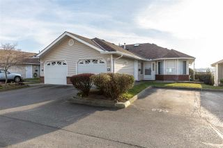 """Photo 1: 82 1973 WINFIELD Drive in Abbotsford: Abbotsford East Townhouse for sale in """"BELMONT RIDGE"""" : MLS®# R2446573"""