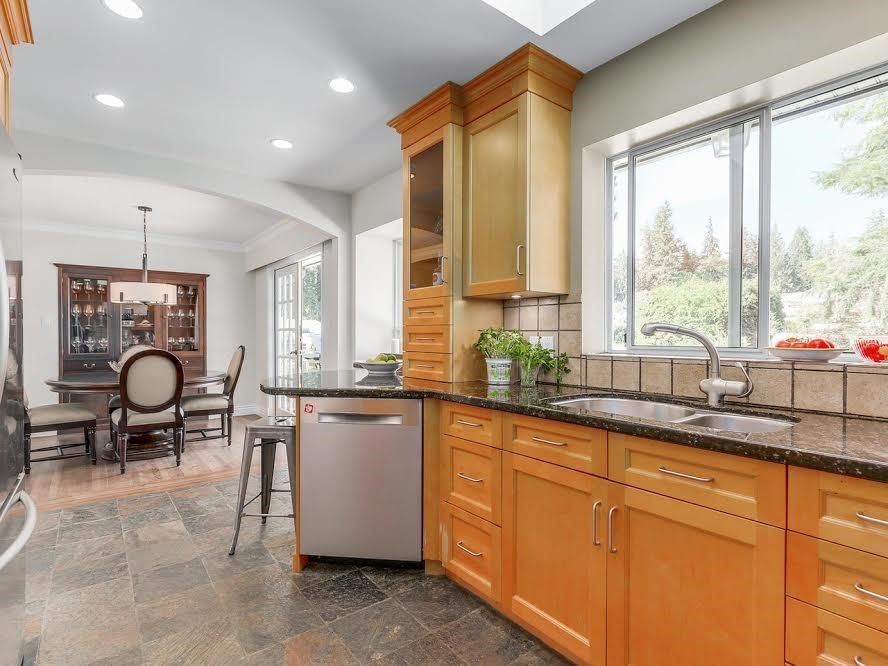 """Photo 7: Photos: 2624 DERBYSHIRE Way in North Vancouver: Blueridge NV House for sale in """"BLUERIDGE"""" : MLS®# R2101551"""