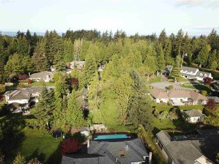"""Photo 35: 1911 134 Street in Surrey: Crescent Bch Ocean Pk. House for sale in """"Chatham Green Ocean Park"""" (South Surrey White Rock)  : MLS®# R2572714"""