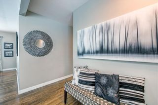 Photo 2: 3039 25A Street SW in Calgary: Richmond Detached for sale : MLS®# C4271710