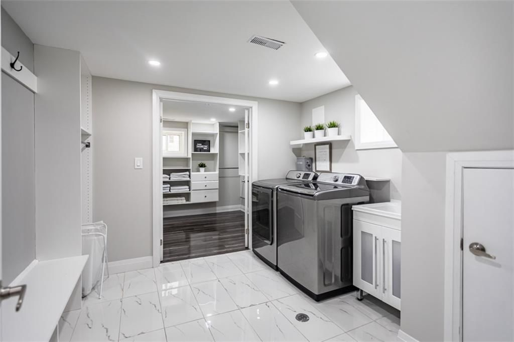 Photo 18: Photos: 2221 COURTLAND Drive in Burlington: Residential for sale : MLS®# H4084353