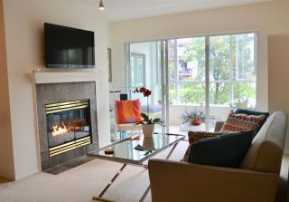 Photo 3: 201 155 E 3RD Street in North Vancouver: Lower Lonsdale Condo for sale : MLS®# R2460061