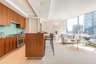 """Photo 4: 2706 1077 W CORDOVA Street in Vancouver: Coal Harbour Condo for sale in """"SHAW TOWER"""" (Vancouver West)  : MLS®# R2173545"""