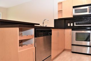 Photo 4: 105 69 SPRINGBOROUGH Court SW in Calgary: Springbank Hill Apartment for sale : MLS®# C4305544