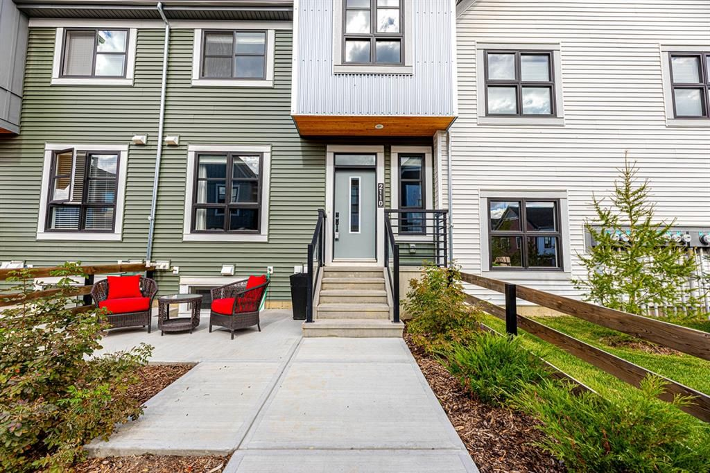 Main Photo: 2110 100 WALGROVE Court in Calgary: Walden Row/Townhouse for sale : MLS®# A1148233