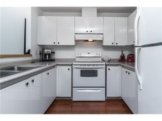 """Photo 7: 403 1199 WESTWOOD Street in Coquitlam: North Coquitlam Condo for sale in """"LAKESIDE TERRACE"""" : MLS®# V1105956"""
