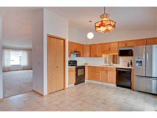 Photo 8: 43 LINCOLN Manor SW in Calgary: Lincoln Park House for sale : MLS®# C4008792