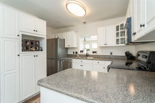 "Photo 9: 16 20222 96 Avenue in Langley: Walnut Grove Townhouse for sale in ""Windsor Gardens"" : MLS®# R2362308"