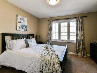 Photo 12: 2461 Felhaber Cres in Oakville: Iroquois Ridge North Freehold for sale : MLS®# W4071981