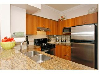 """Photo 9: 41 21535 88 Avenue in Langley: Walnut Grove Townhouse for sale in """"Redwood Lane"""" : MLS®# F1436520"""