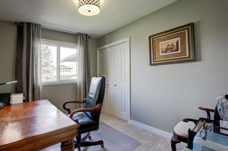 Photo 13: 131 Parkview Way SE in Calgary: Parkland Detached for sale : MLS®# A1106267