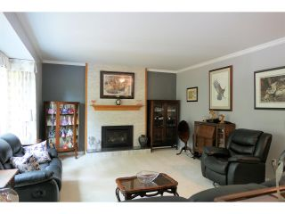 Photo 4: 26436 13 Avenue in Langley: Otter District House for sale : MLS®# R2404832