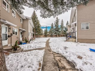 Photo 2: 11 1111 Canterbury Drive SW in Calgary: Canyon Meadows Row/Townhouse for sale : MLS®# A1067418