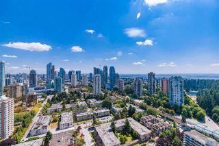 """Photo 4: 3906 5883 BARKER Avenue in Burnaby: Metrotown Condo for sale in """"ALDYNE ON THE PARK"""" (Burnaby South)  : MLS®# R2579935"""