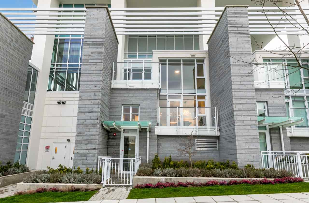 """Main Photo: 101 652 WHITING Way in Coquitlam: Coquitlam West Townhouse for sale in """"Marquee"""" : MLS®# R2616667"""