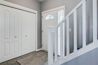 Photo 2: 192 Cougartown Close SW in Calgary: Cougar Ridge Detached for sale : MLS®# A1106763
