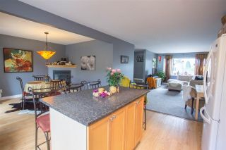 Photo 6: 1791 HARRIS Road in Squamish: Brackendale 1/2 Duplex for sale : MLS®# R2073524