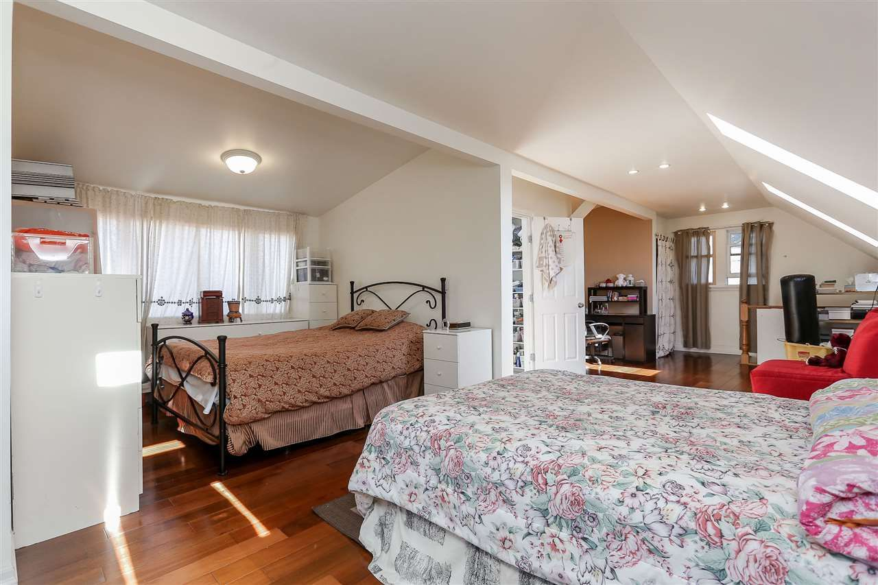 Photo 14: Photos: 4420 NANAIMO Street in Vancouver: Collingwood VE House for sale (Vancouver East)  : MLS®# R2006921
