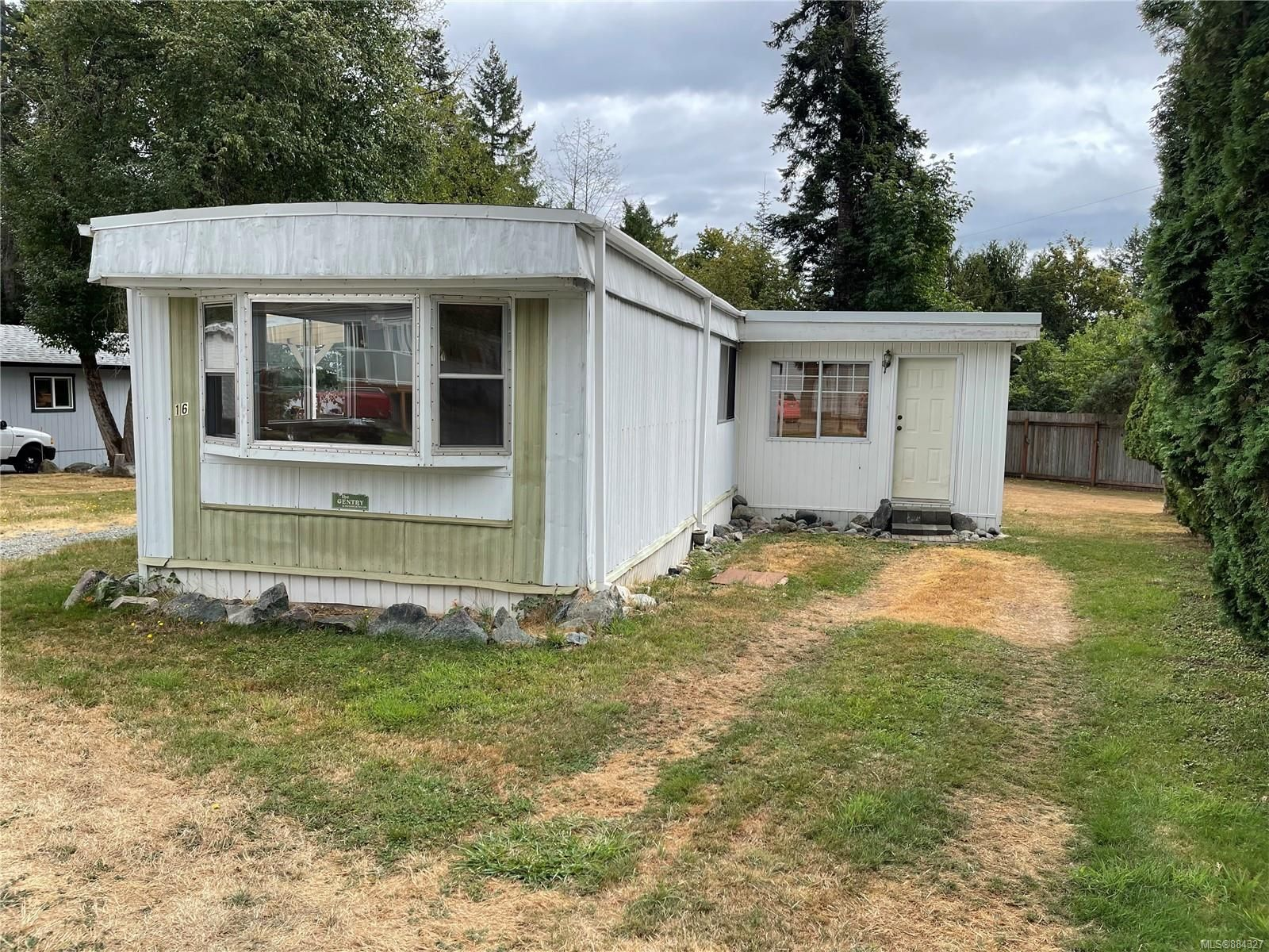 Main Photo: 16 6225 Lugrin Rd in Port Alberni: PA Alberni Valley Manufactured Home for sale : MLS®# 884327