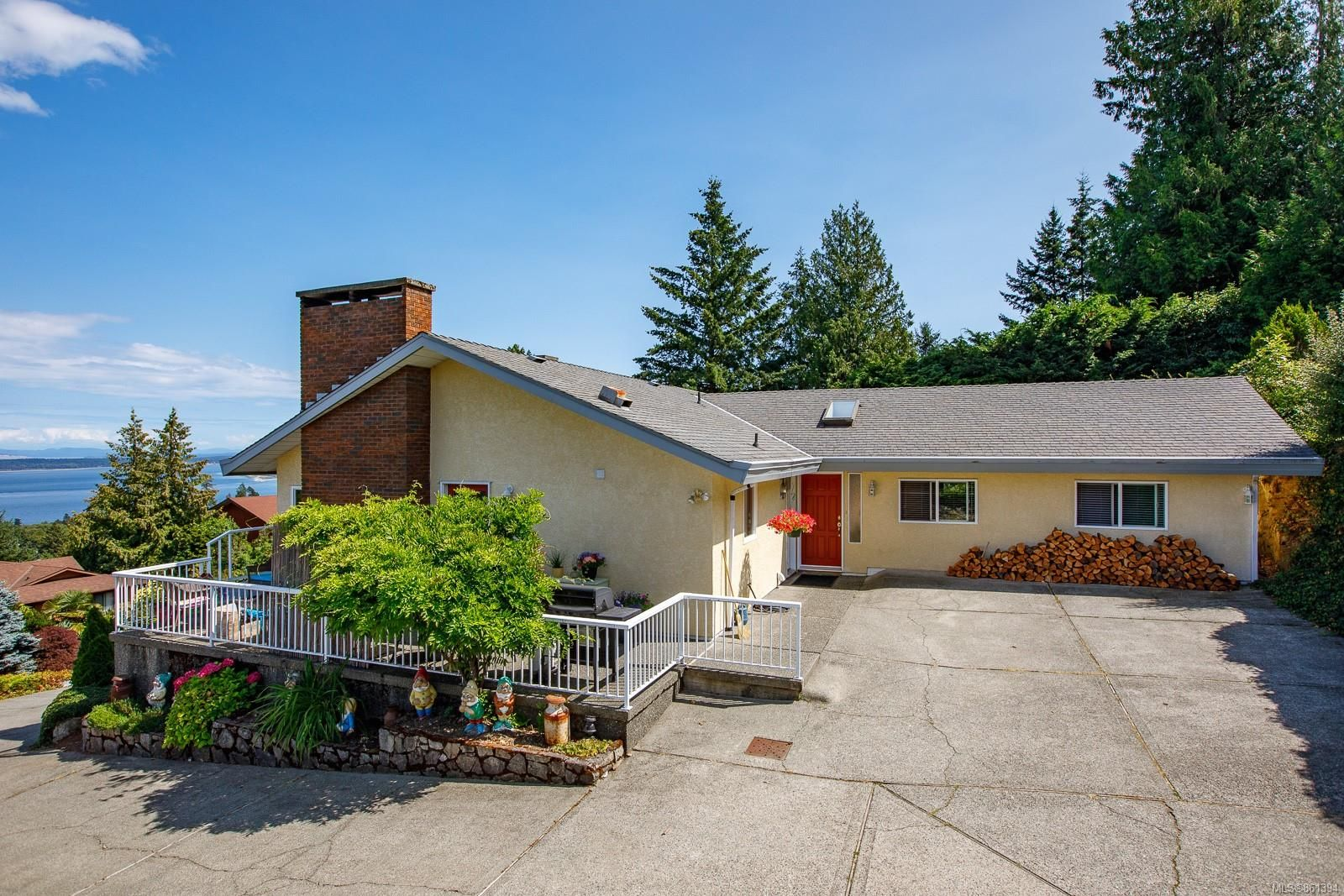 Main Photo: 8846 Forest Park Dr in : NS Dean Park House for sale (North Saanich)  : MLS®# 861394