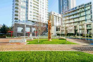 "Photo 18: 2102 5470 ORMIDALE Street in Vancouver: Collingwood VE Condo for sale in ""WALL CENTRE CENTRAL PARK 3"" (Vancouver East)  : MLS®# R2537972"