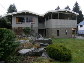 Photo 2: 12073 230TH STREET in MAPLE RIDGE: Home for sale