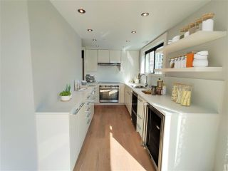 """Photo 6: 1703 909 BURRARD Street in Vancouver: West End VW Condo for sale in """"Vancouver Tower"""" (Vancouver West)  : MLS®# R2585643"""