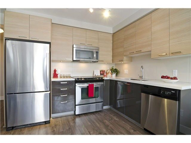FEATURED LISTING: 902 - 258 SIXTH Street New Westminster