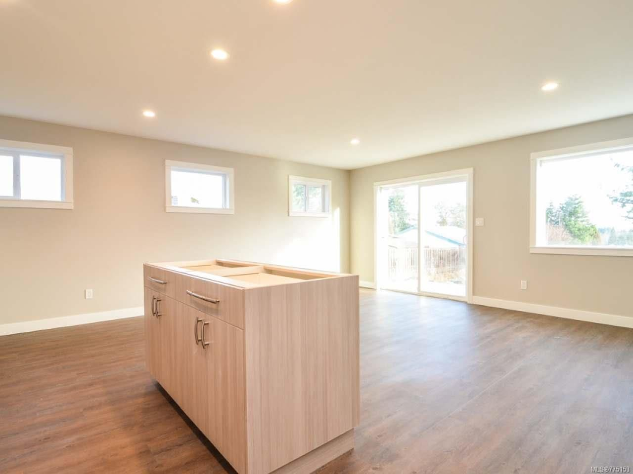 Photo 6: Photos: 2 595 Petersen Rd in CAMPBELL RIVER: CR Campbell River West Half Duplex for sale (Campbell River)  : MLS®# 775153