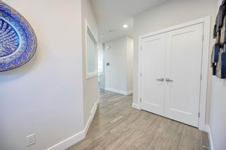 Photo 2: 69 Westpoint Way SW in Calgary: West Springs Detached for sale : MLS®# A1153567