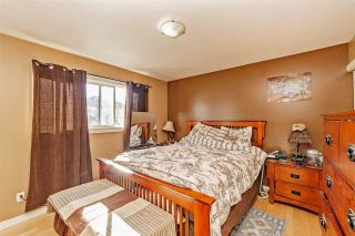 """Photo 13: 7466 LARK Street in Mission: Mission BC House for sale in """"Superstore/ Easy Lougheed Hwy Access"""" : MLS®# R2351956"""