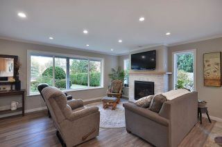 Photo 5: 5551 WAKEFIELD Road in Sechelt: Sechelt District House for sale (Sunshine Coast)  : MLS®# R2420714