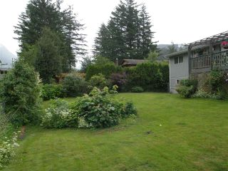Photo 14: 65933 PARK Avenue in Hope: Hope Kawkawa Lake House for sale : MLS®# R2377604