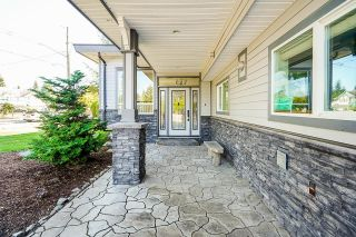 Photo 4: 25032 57 Avenue in Langley: Aldergrove Langley House for sale : MLS®# R2615872