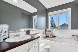Photo 8: 75 SOMERGLEN Place SW in Calgary: Somerset Detached for sale : MLS®# A1036412