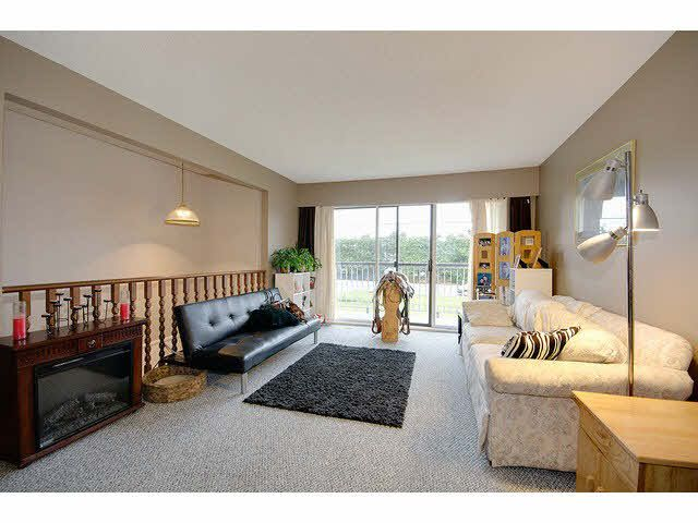 Photo 3: Photos: 1837 KING GEORGE Boulevard in Surrey: King George Corridor 1/2 Duplex for sale (South Surrey White Rock)  : MLS®# F1430326
