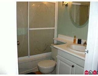 Photo 4: 2 Bedroom Townhouse!
