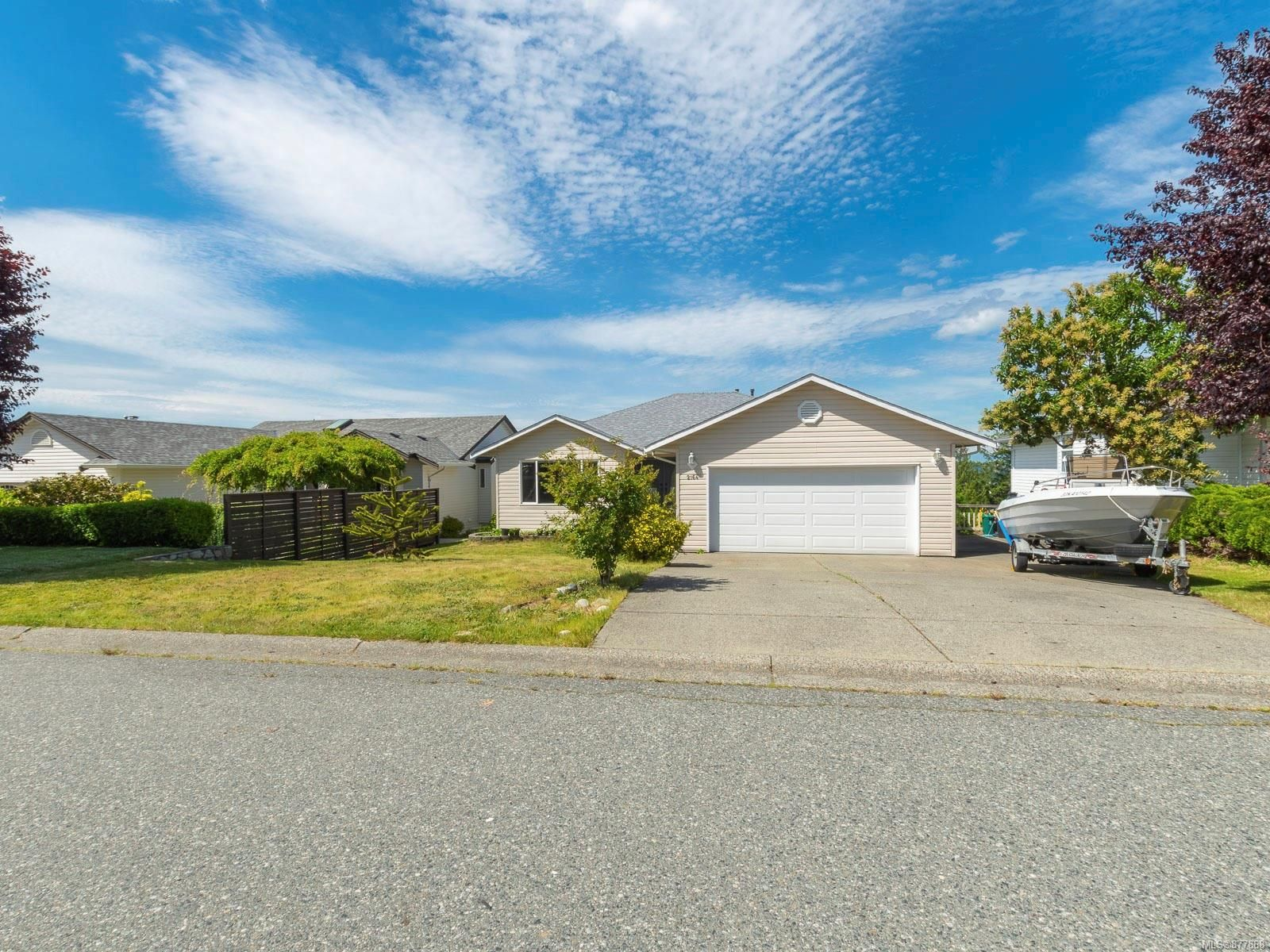 Main Photo: 2164 Woodthrush Pl in : Na University District House for sale (Nanaimo)  : MLS®# 877868