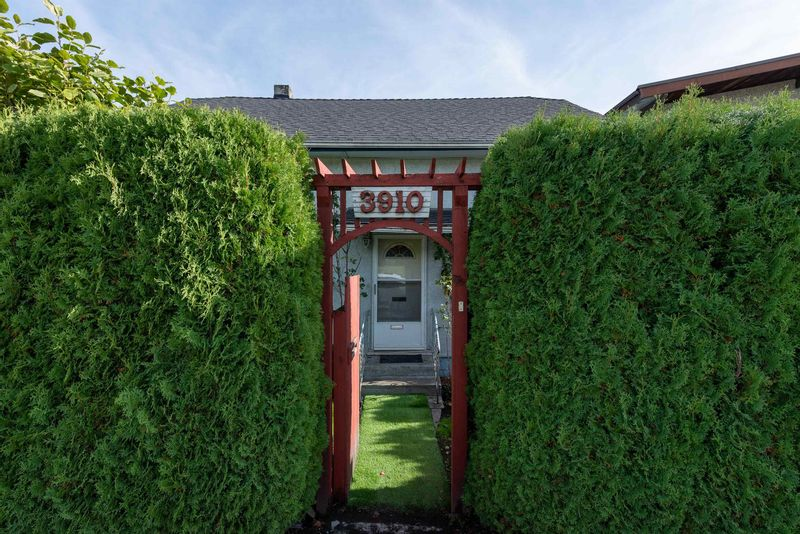 FEATURED LISTING: 3910 BOUNDARY Road Burnaby