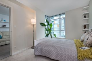"""Photo 14: 1104 89 W 2ND Avenue in Vancouver: False Creek Condo for sale in """"PINNACLE LIVING FALSE CREEK"""" (Vancouver West)  : MLS®# R2250974"""