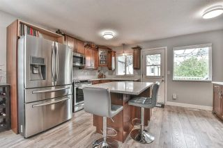 Photo 8: 6376 183A Street in Surrey: Cloverdale BC House for sale (Cloverdale)  : MLS®# R2578341
