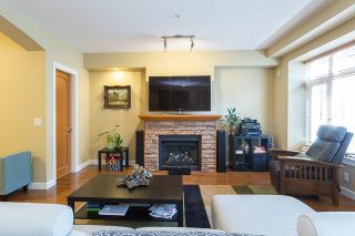 """Photo 3: 120 20738 84 Avenue in Langley: Willoughby Heights Townhouse for sale in """"YORKSON CREEK"""" : MLS®# R2099143"""