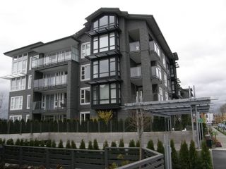 Photo 2: 313 550 SEABORNE PLACE in FREMONT GREEN: Home for sale