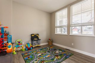 """Photo 30: 2290 CHARDONNAY Lane in Abbotsford: Aberdeen House for sale in """"Pepin Brook"""" : MLS®# R2555950"""