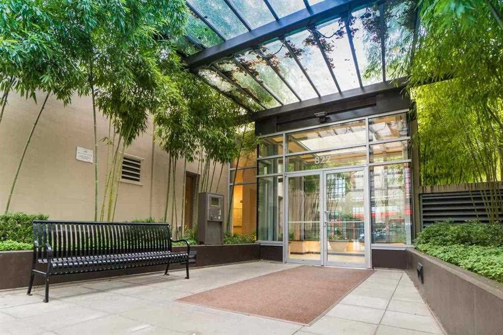 Main Photo: 509 822 SEYMOUR Street in Vancouver: Downtown VW Condo for sale (Vancouver West)  : MLS®# R2580424