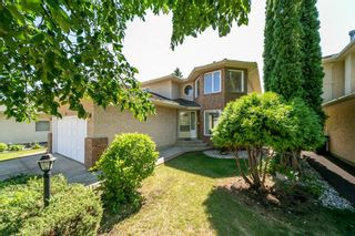Photo 1: 362 TWIN BROOKS Drive in Edmonton: Zone 16 House for sale : MLS®# E4256008