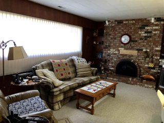 Photo 4: 9640 SNOWDON Avenue in Richmond: South Arm House for sale : MLS®# R2438920